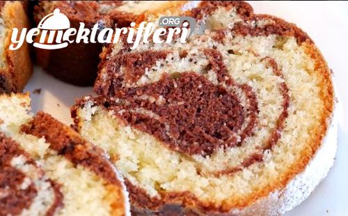 iki renkli kek