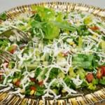 Peynirli Hindiba Otu Salatası