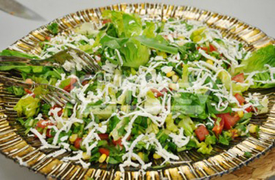 peynirli-hindiba-salatasi