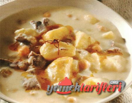 Yoğurtlu Patates Yemeği